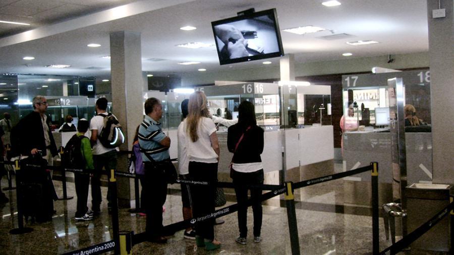 La Dirección Nacional de Migraciones informó la documentación requerida para salir del país
