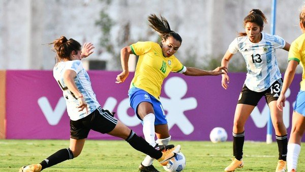 la-seleccion-femenina-estreno-dt-e-hizo-un-buen-partido-ante-brasil,-pero-no-pudo-evitar-la-derrota